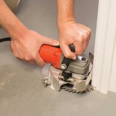 How to fit laminate flooring under a door frame | use a jamb saw
